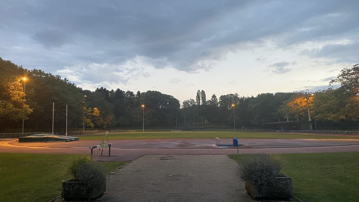 Marathon training in the Waldstadion Aachen
